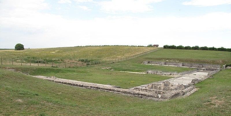 Photo du Monument Historique Vestiges d'un ensemble monumental gallo-romain à vocation cultuelle situé à Sceaux-du-Gâtinais