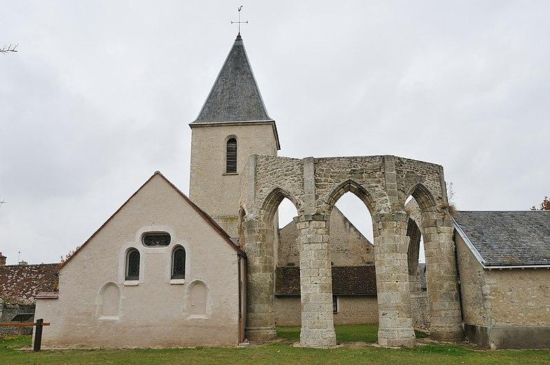 Photo du Monument Historique Eglise Saint-Jacques le Majeur situé à Courcelles