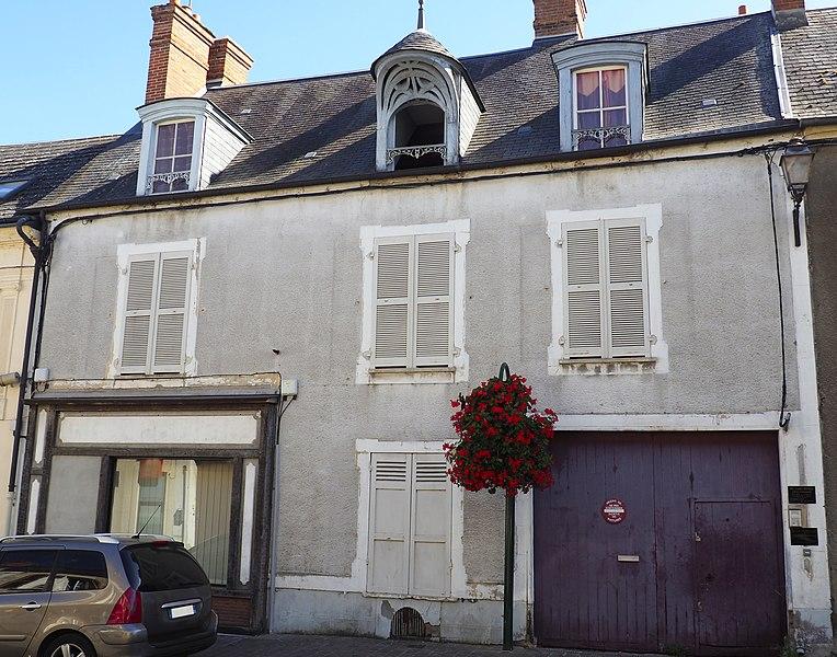 Photo du Monument Historique Maison à lucarne de type compagnonnique situé à Malesherbes