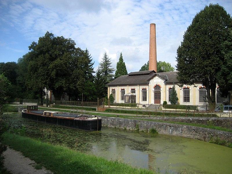 Photo du Monument Historique Ancienne centrale électrique, actuellement restaurant l'Ecluse situé à Fay-aux-Loges