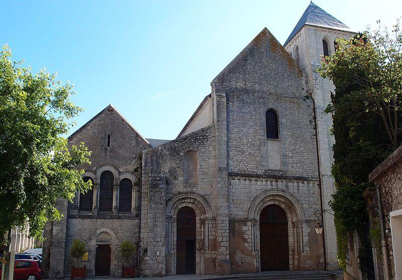 Photo du Monument Historique Ancienne abbaye Notre-Dame situé à Beaugency