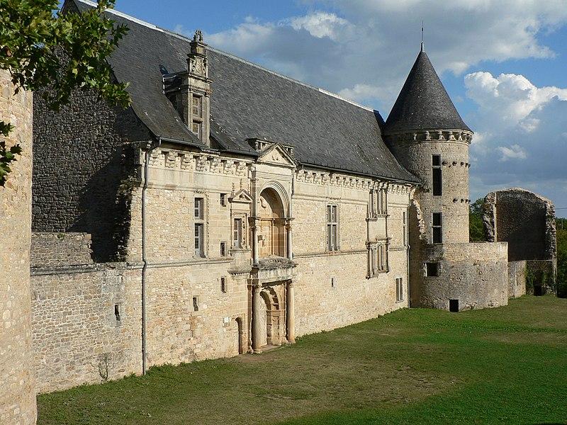 Photo du Monument Historique Château situé à Assier