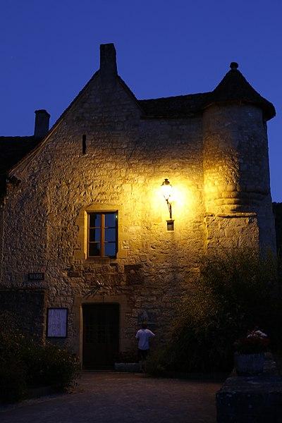 Photo du Monument Historique Mairie et école de garçons situé à Autoire