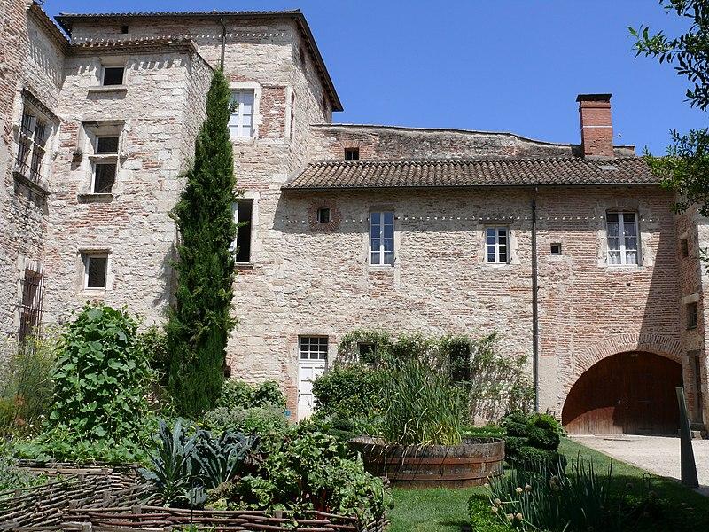 Photo du Monument Historique Presbytère de la cathédrale situé à Cahors