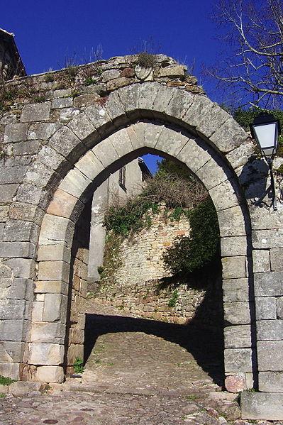 Photo du Monument Historique Fortifications situé à Capdenac