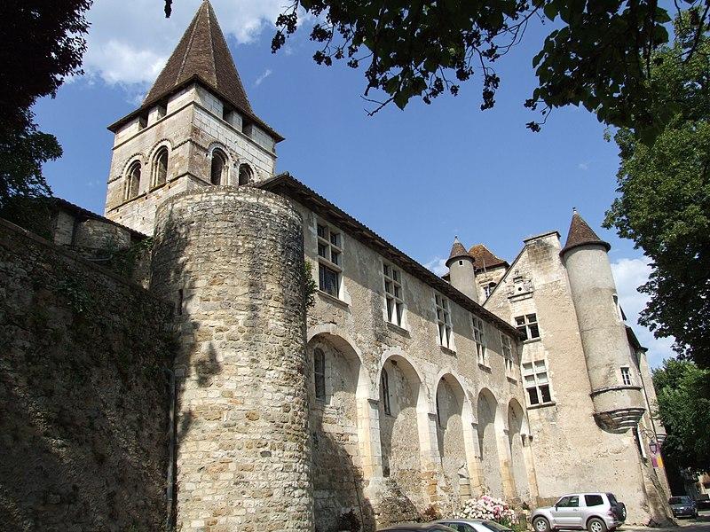 Photo du Monument Historique Ancien prieuré ou château situé à Carennac