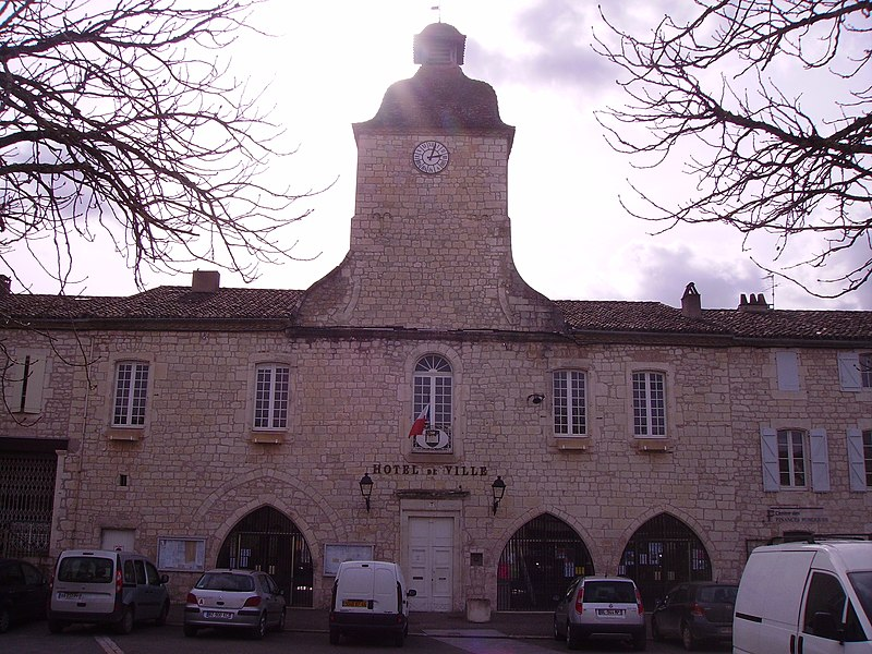 Photo du Monument Historique Hôtel de ville situé à Castelnau-Montratier