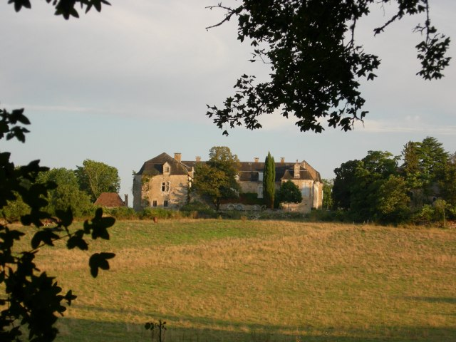 Photo du Monument Historique Château de la Pannonie situé à Couzou