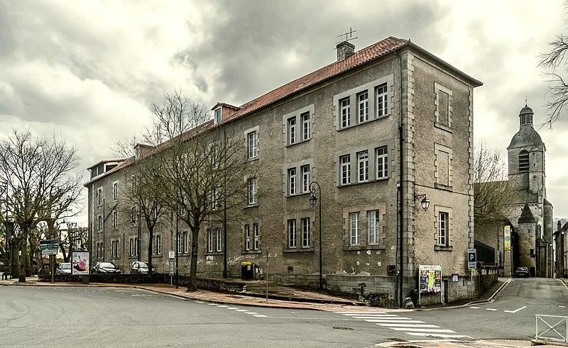 Photo du Monument Historique Ancien collège Champollion, ancien séminaire situé à Figeac