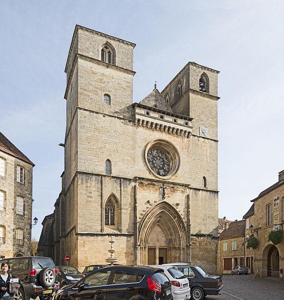 Photo du Monument Historique Eglise Saint-Pierre situé à Gourdon
