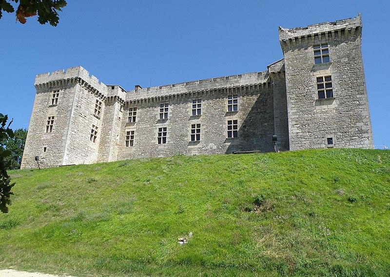 Photo du Monument Historique Château de La Coste situé à Grézels
