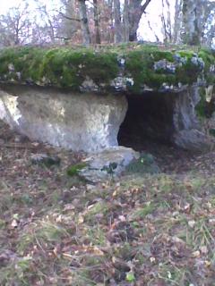 Photo du Monument Historique Deux dolmens sur le domaine de Gabaudet situé à Issendolus