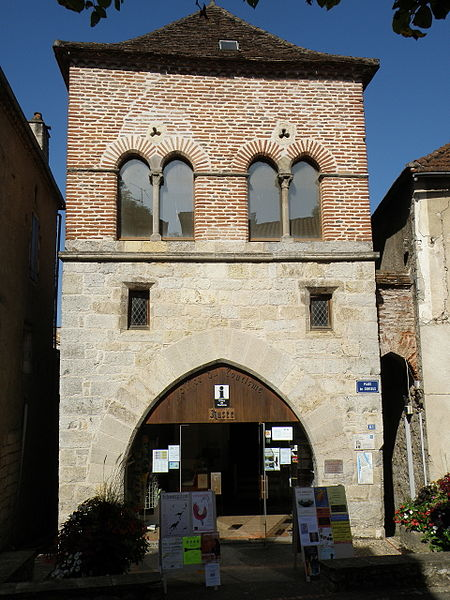 Photo du Monument Historique Maison des Consuls situé à Luzech