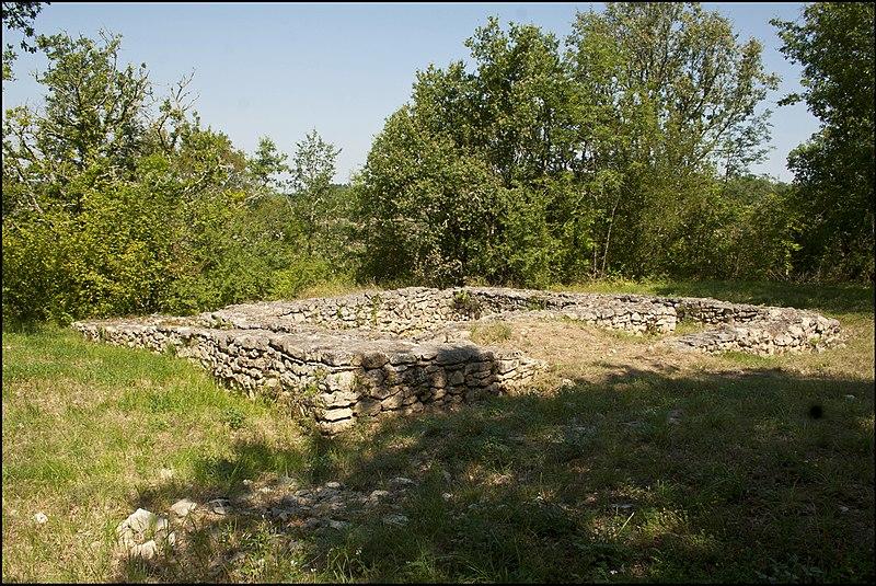 Photo du Monument Historique Portions de l'oppidum situé à Luzech
