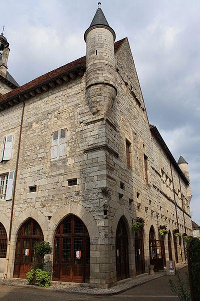Photo du Monument Historique Ancien hôtel de la Raymondie, actuel hôtel de ville situé à Martel