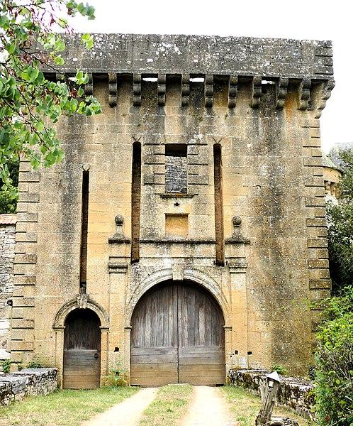 Photo du Monument Historique Château situé à Montcléra