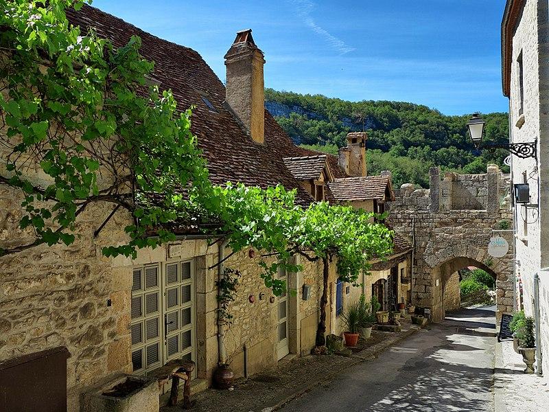 Photo du Monument Historique Porte dite du Fond du Coustalou ou du Fond de la Ville situé à Rocamadour