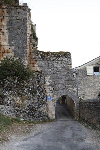 Photo du Monument Historique Porte dite de la Mercerie situé à Rocamadour