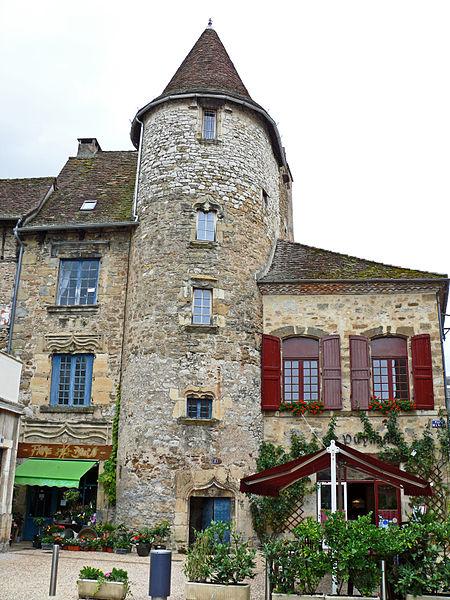 Photo du Monument Historique Ancien hôtel de Puymule situé à Saint-Céré