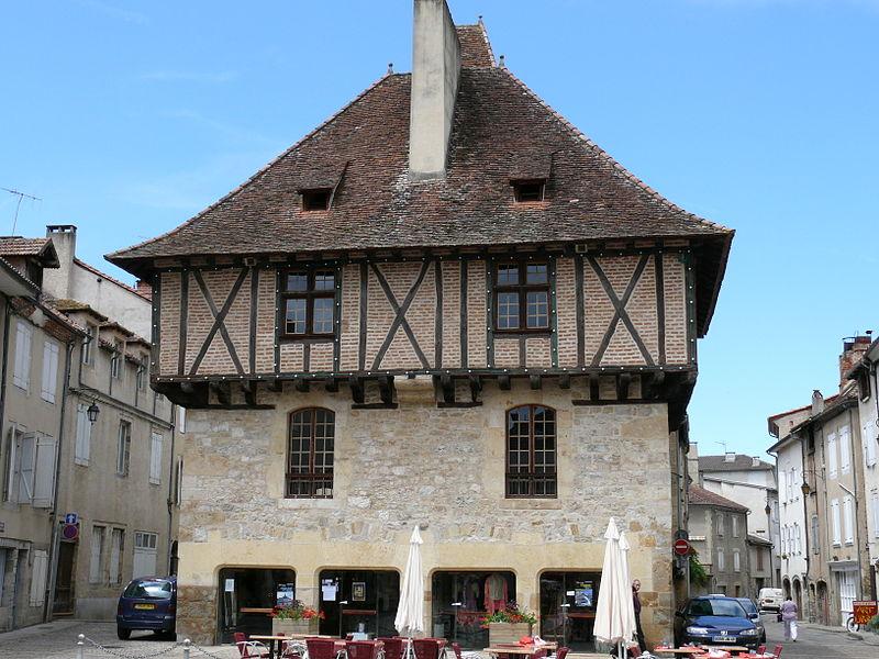 Photo du Monument Historique Ancienne maison consulaire situé à Saint-Céré