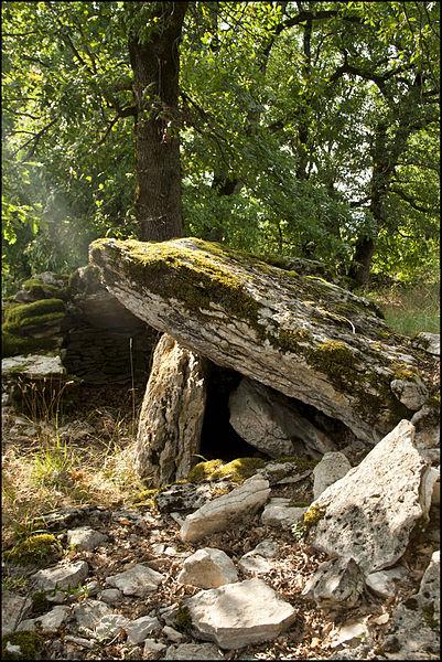 Photo du Monument Historique Dolmen du Pech d'Agaïo situé à Saint-Chels