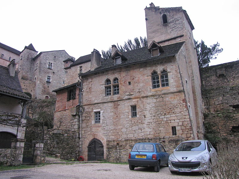 Photo du Monument Historique Immeuble du 14e siècle situé à Saint-Cirq-Lapopie