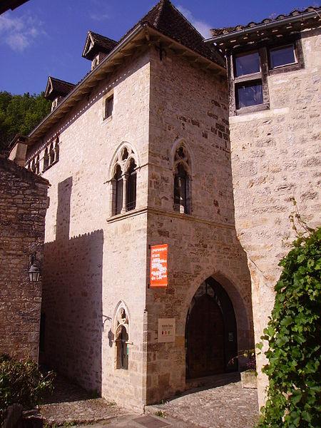 Photo du Monument Historique Ancien hôpital, actuellement maison Daura situé à Saint-Cirq-Lapopie