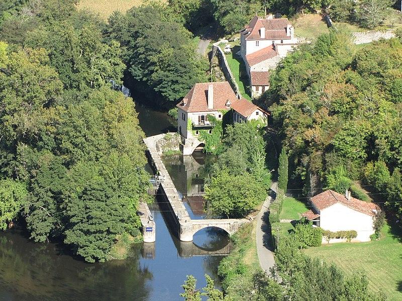 Photo du Monument Historique Moulin à eau situé à Saint-Cirq-Lapopie