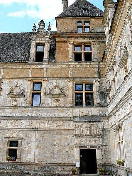 Photo du Monument Historique Domaine de Montal (également sur commune de Saint-Céré) situé à Saint-Jean-Lespinasse