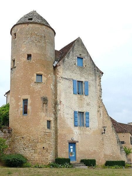 Photo du Monument Historique Ancien doyenné ou ancien presbytère situé à Les Arques