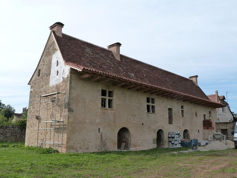 """Photo du Monument Historique Ancien logis du 16e siècle dit """"grange de Bargues"""" situé à Assier"""