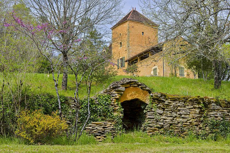 Photo du Monument Historique Ferme de la Fontaine Haute situé à Goujounac