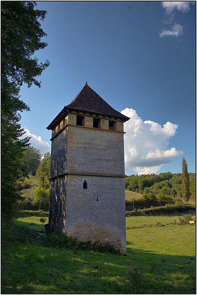 Photo du Monument Historique Tour-pigeonnier de Labio situé à Gourdon