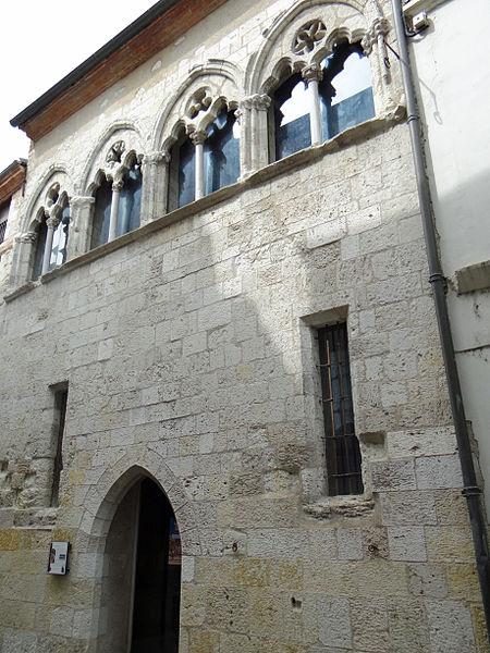 Photo du Monument Historique Maison du Sénéchal situé à Agen