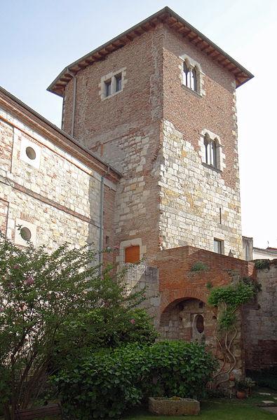 Photo du Monument Historique Tour du Chapelet situé à Agen
