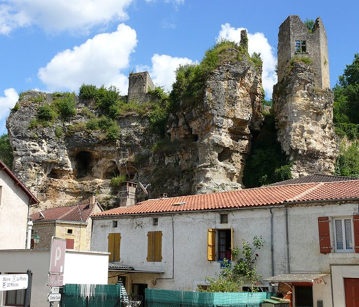 Photo du Monument Historique Ruines du château situé à Cuzorn
