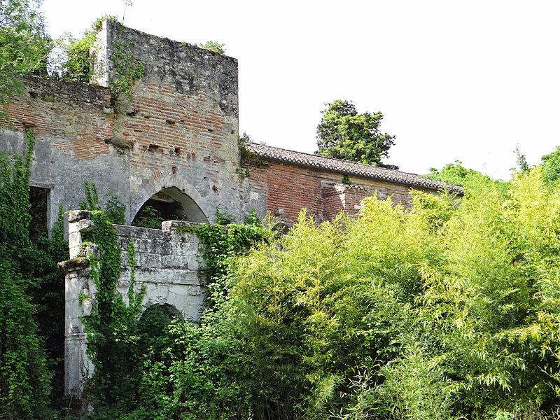 Photo du Monument Historique Ancien prieuré du Paravis situé à Feugarolles