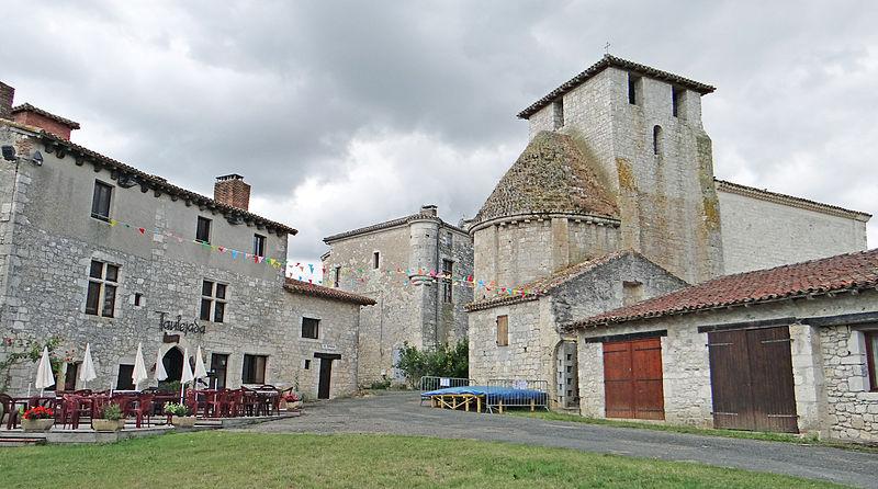 Photo du Monument Historique Restes de l'ancien château situé à Frespech