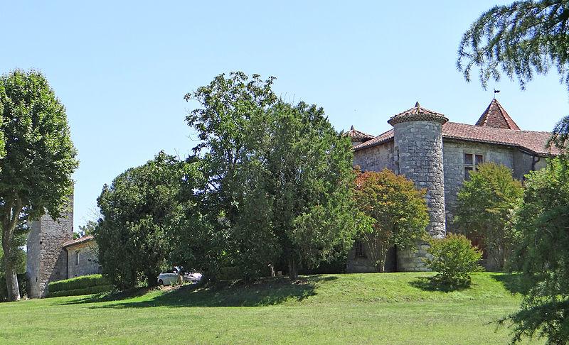 Photo du Monument Historique Manoir de Prades situé à Lafox