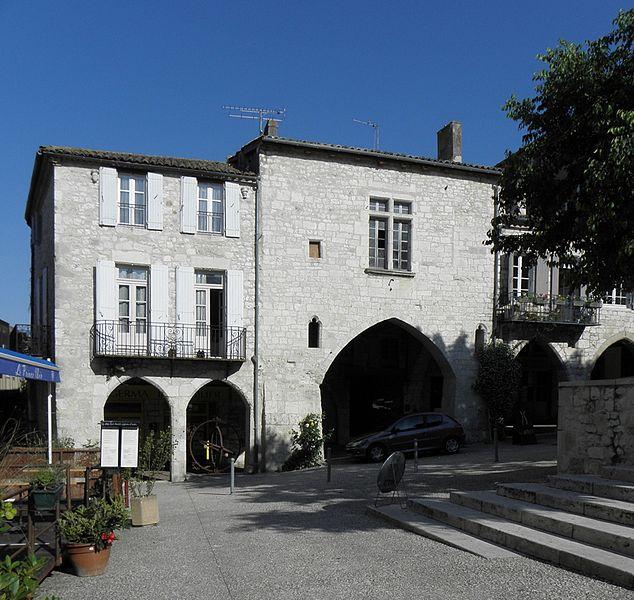 Photo du Monument Historique Maison à cornières situé à Monflanquin
