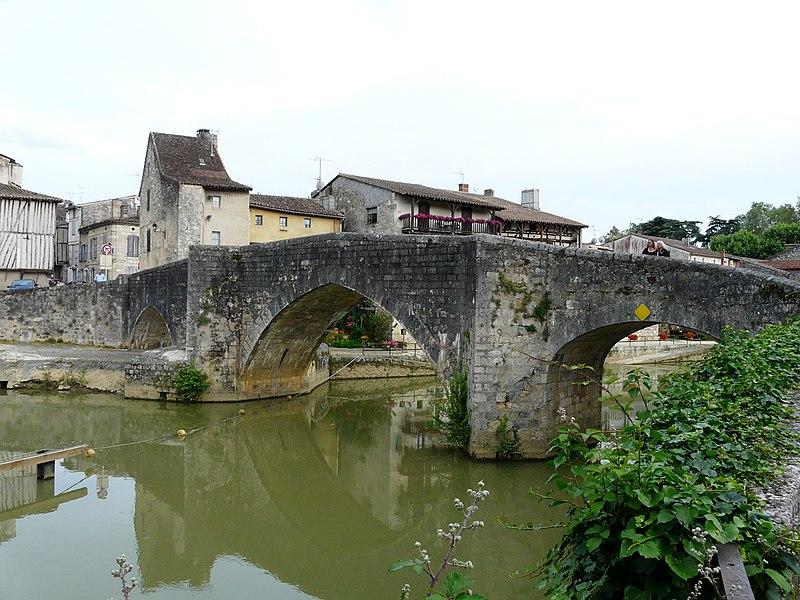 Photo du Monument Historique Vieux Pont sur la Baïse situé à Nérac