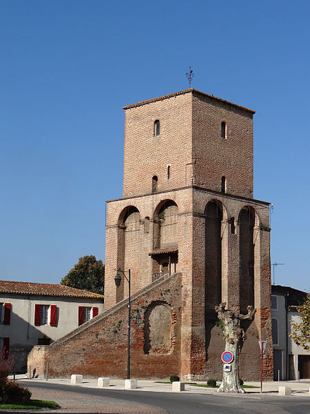 Photo du Monument Historique Tour situé à Sainte-Livrade-sur-Lot