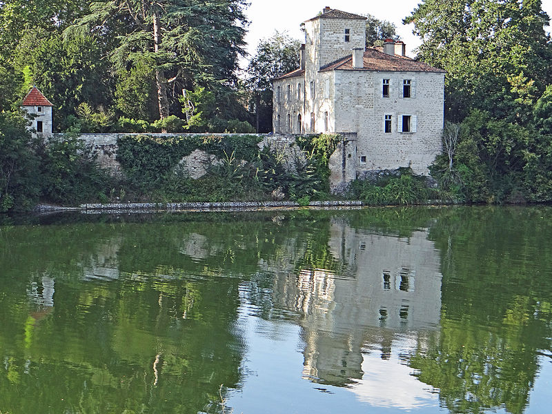 Photo du Monument Historique Château de Ferrassou situé à Saint-Sylvestre-sur-Lot