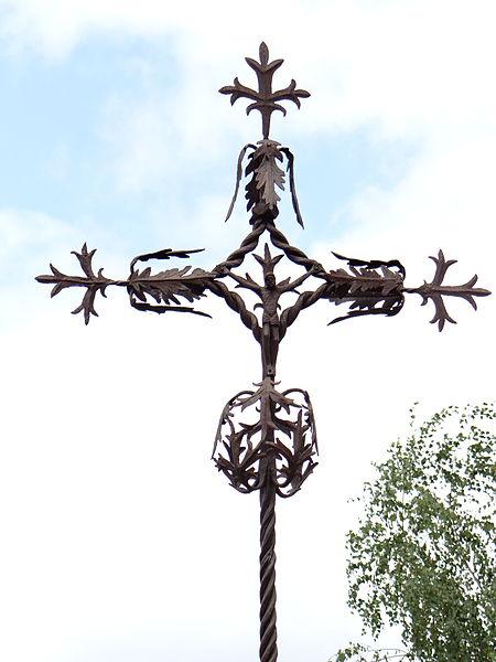 Photo du Monument Historique Croix de chemin, en fer forgé situé à Sauveterre-la-Lémance