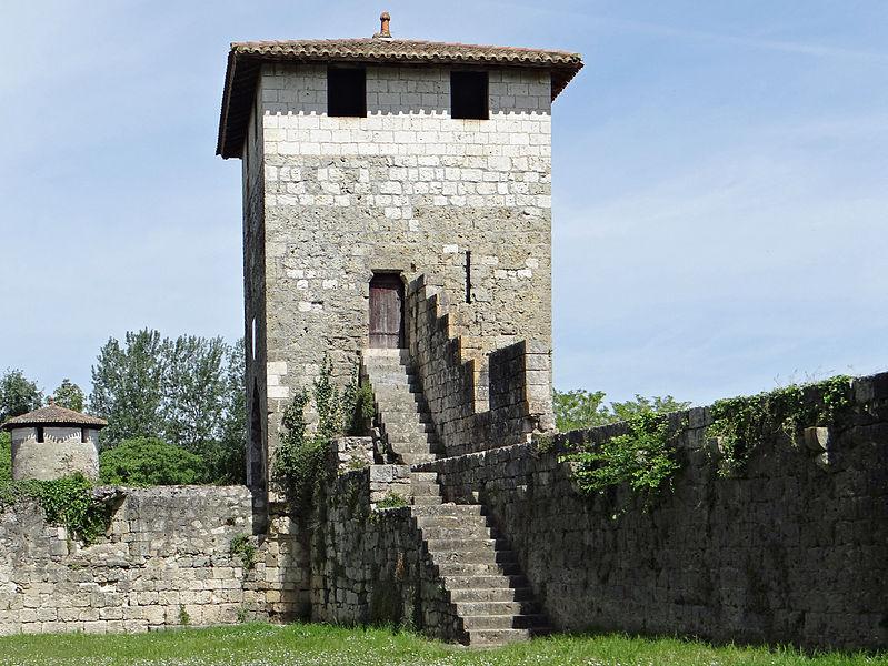 Photo du Monument Historique Enceinte et tours situé à Vianne