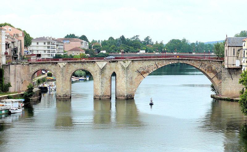Photo du Monument Historique Vieux Pont situé à Villeneuve-sur-Lot