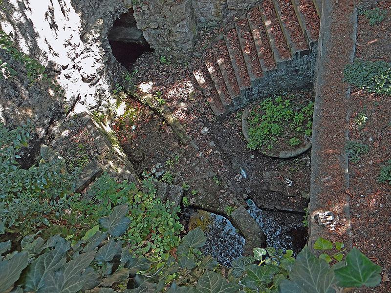 Photo du Monument Historique Fontaine situé à Agen