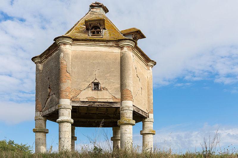 Photo du Monument Historique Domaine de la Tour de Rance situé à Bourran