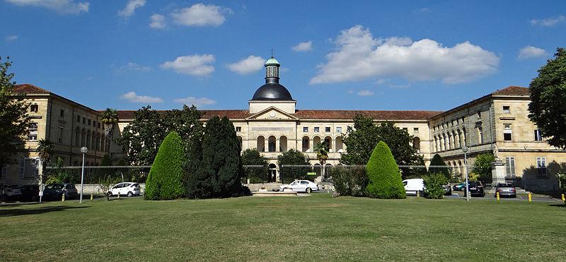 Photo du Monument Historique Hôpital Saint-Cyr situé à Villeneuve-sur-Lot