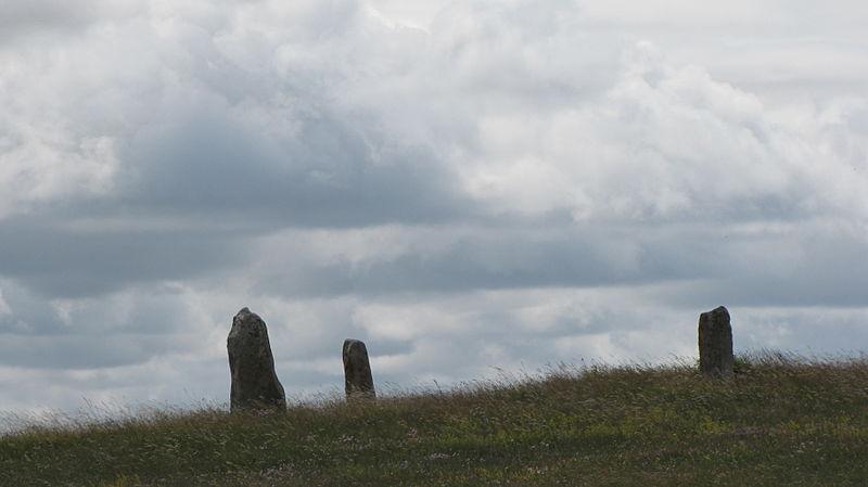 Photo du Monument Historique Trois menhirs de la colline de Treimes situé à Les Bondons